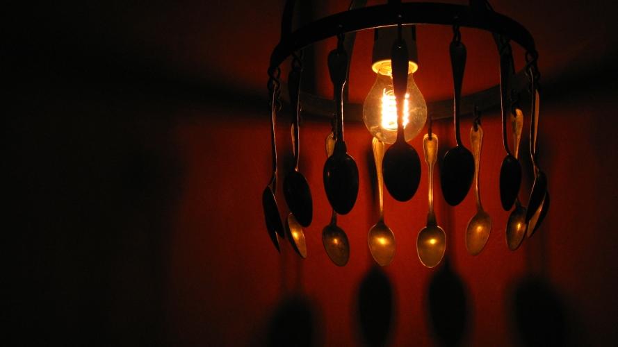 le rituel électrique des cuillères