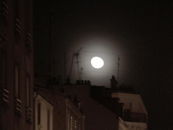 bad moon, bad mood